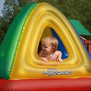 Pyramid Pool Float