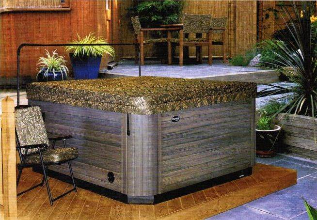 Spa &amp; Hot Tub Covers