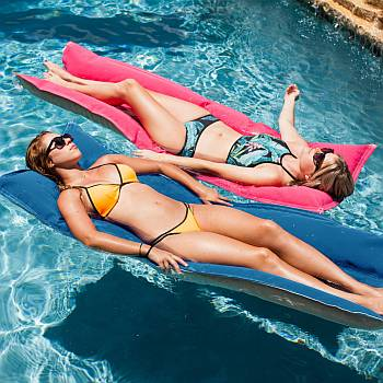 Fab Foam Pool Float - Luxurious